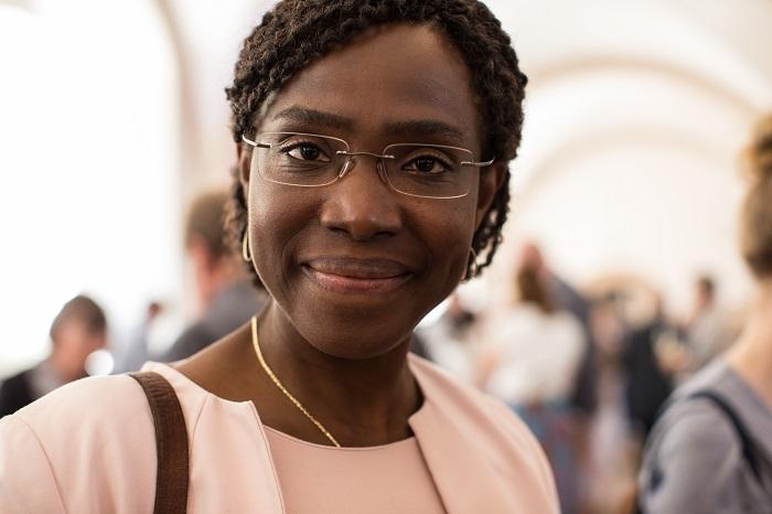 Gwladys Awo, Leiterin des CHANGE-Projektes bei Plan International, berichtete auf dem Stiftertreffen über die Erfolge im Kampf gegen Weibliche Genitalverstümmelung / FGM.