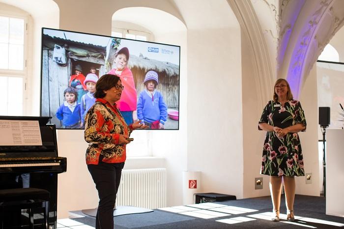 Veronica Zambrano von Plan International Ecuador stellte auf dem 5. Internationalen Stiftertreffen die Programmarbeit in Ecuador vor. Die Stiftung Hilfe mit Plan unterstützt in Ecuador wirksame Projekte zur Ernährungssicherung von Plan International