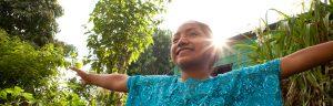 Mayra aus Guatemala und setzt sich als LEADer for Tomorrow gegen die Diskriminierung von indigenen Mädchen und jungen Frauen und für Gleichberechtigung ein. Girls Lead